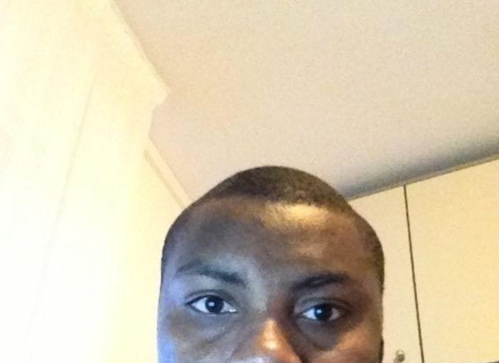 Je suis suis un jeune homme black et je me suis.