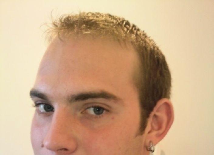 jeune homme de 22 cherche a s amuser avec une femm.