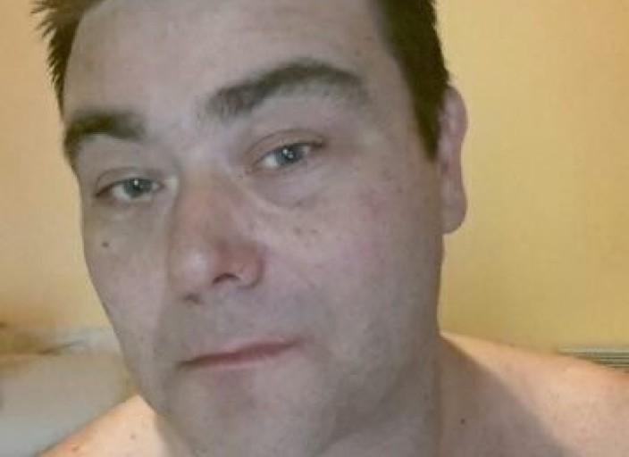 jeune homme 40 ans divorcé très tendre très câ.