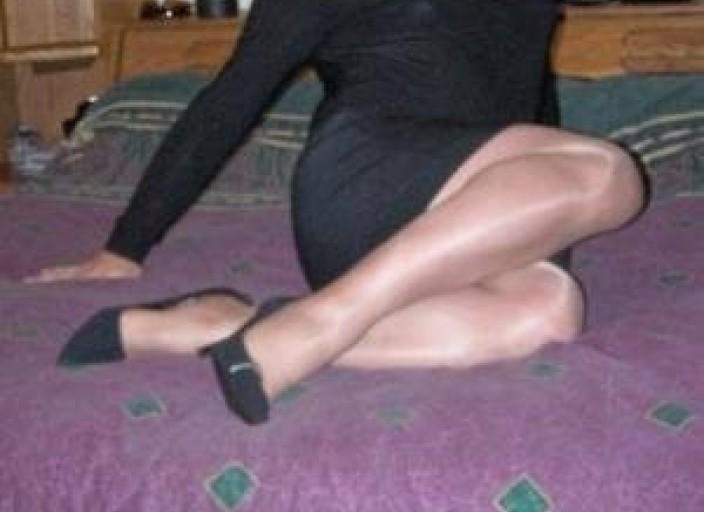 Cherche amie travestie ou amateur lingerie fémini.