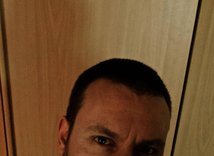bel homme 30 cherche femme pour moments câlins