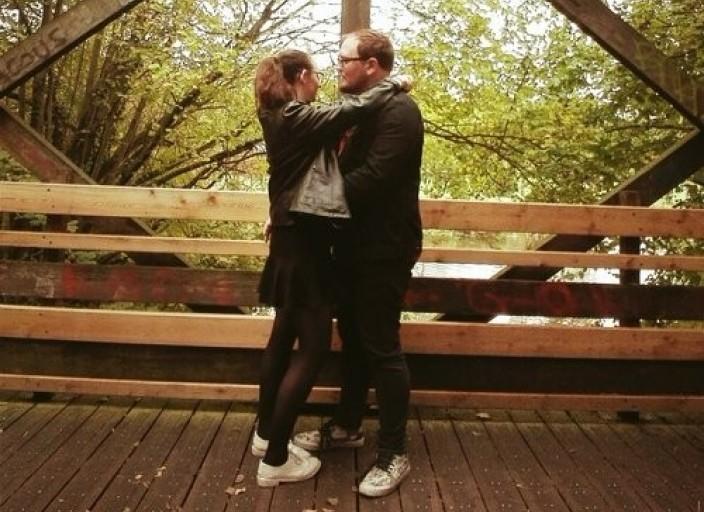Jeune Couple ouvert
