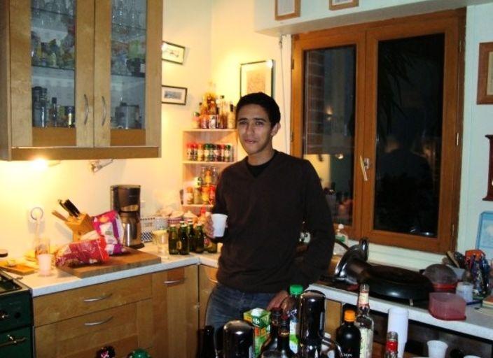 JH 23 ans cherche rencontre avec jf