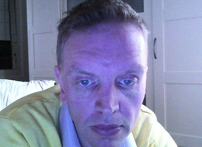 beau blond yeux bleus cherche femme douce