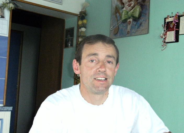 bjr homme de 41 ans recherche f pour plaisirs.