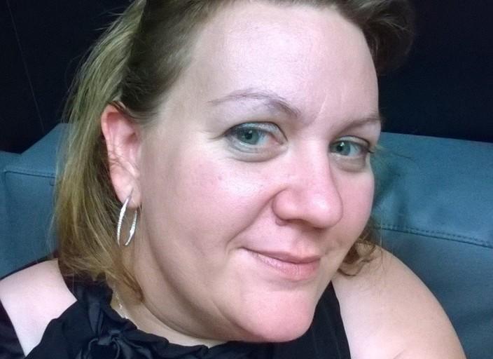 femme bi de 40 ans a la recherche d'une femme .