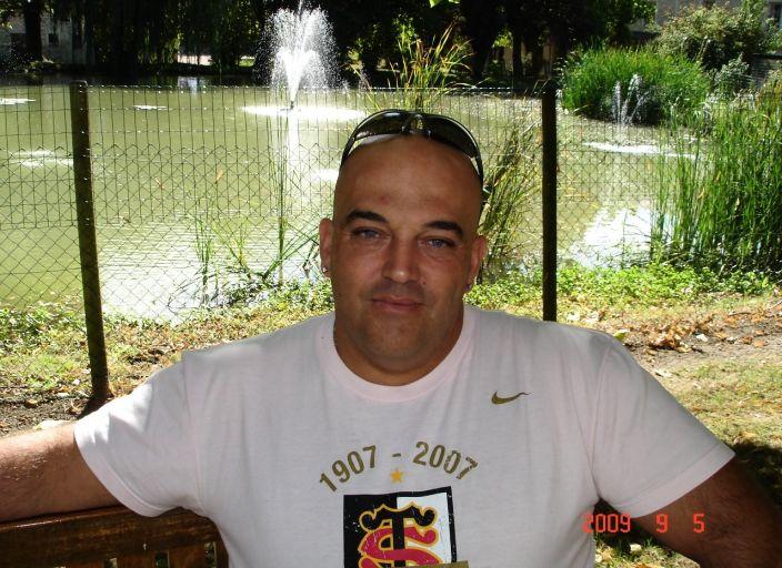 hom marié a la recherche de femmes ou couples