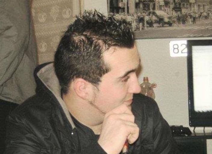 jeune homme 22 ans