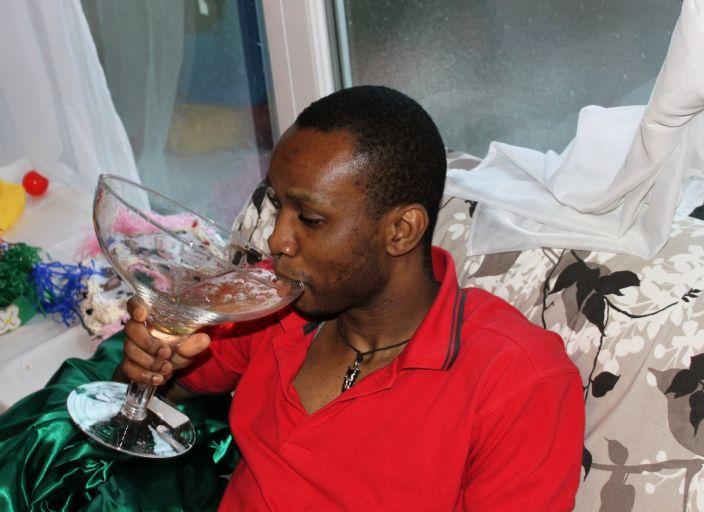 salut. je suis JR haitien agé de 25 ans et residant a.