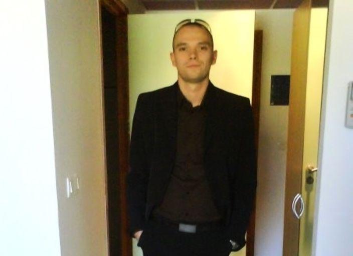 JH 28 ans recherche câlins hot et sensuelle