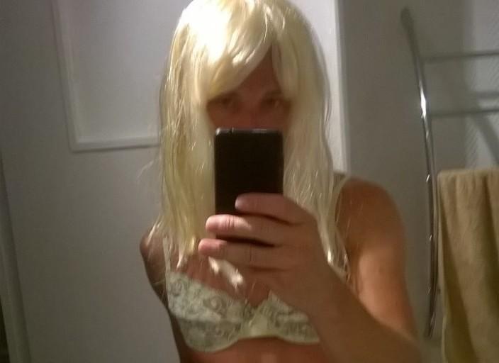 Trav blonde très sexy pour h, f, couple, trans, t.