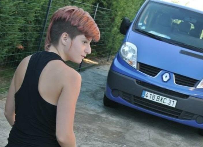 Jeune femme recherche femmes pour aventure
