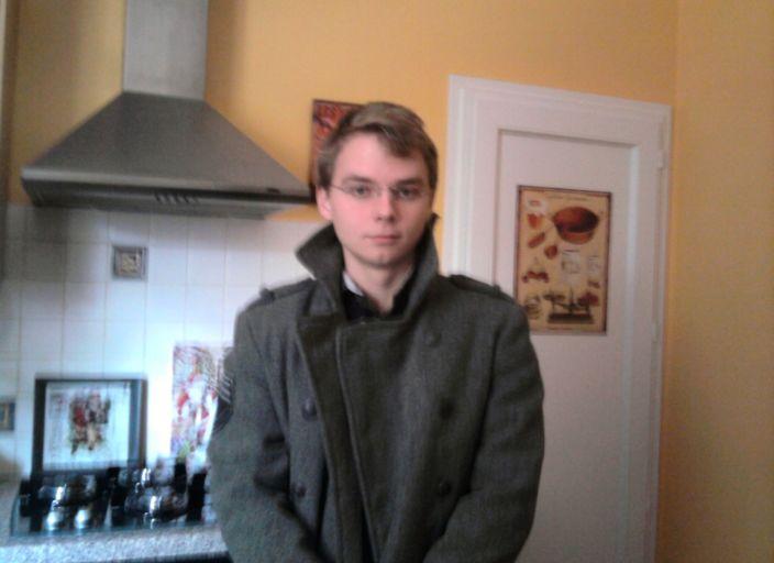 Jeune homme seul cherche sorties ou plus avec jeun.